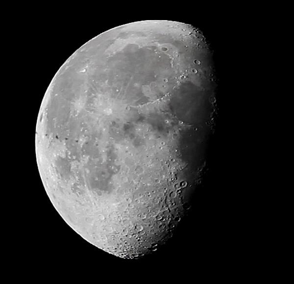 20140914-ISS-moon