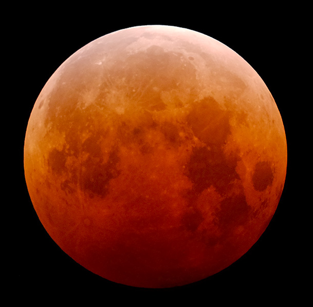 20141008-total-lunar-eclipse-telescope