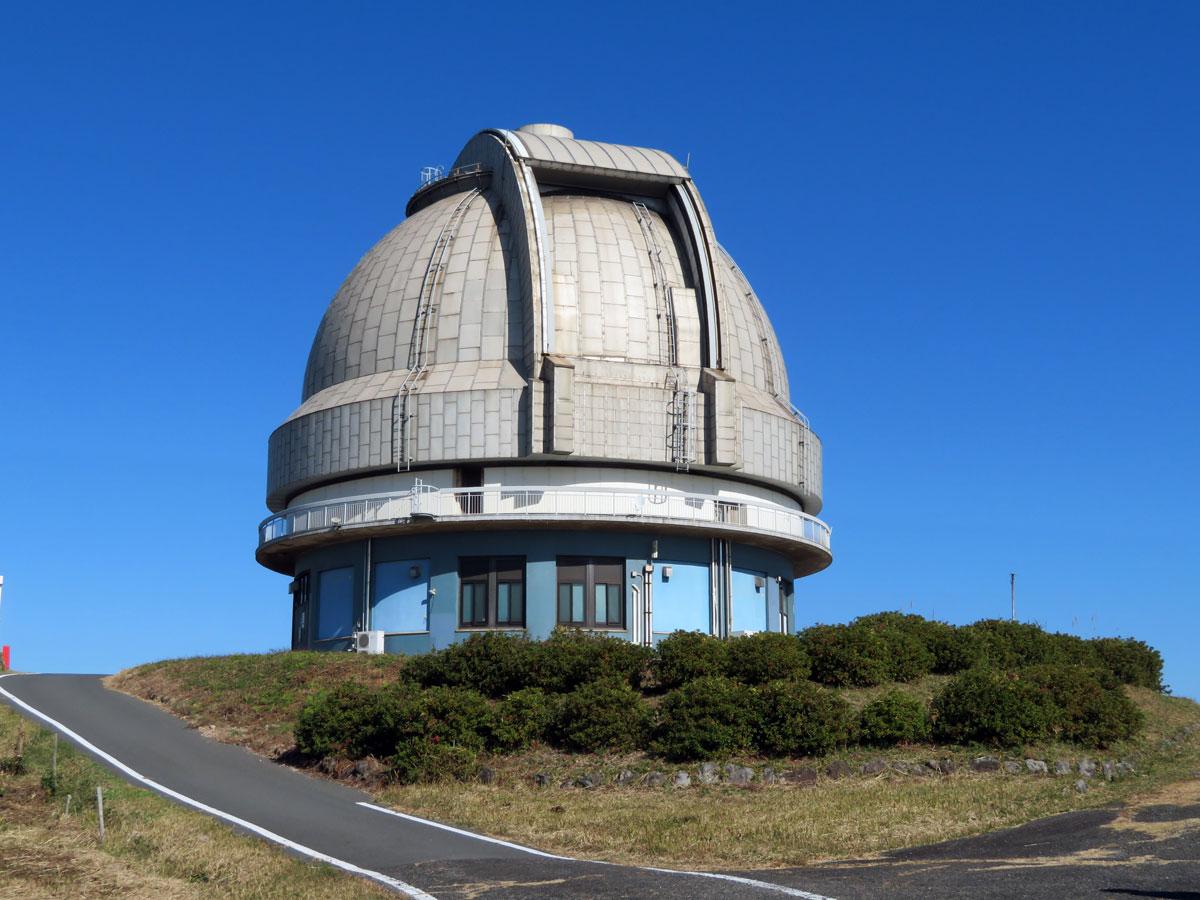 国立天文台188cm望遠鏡 ドーム全景