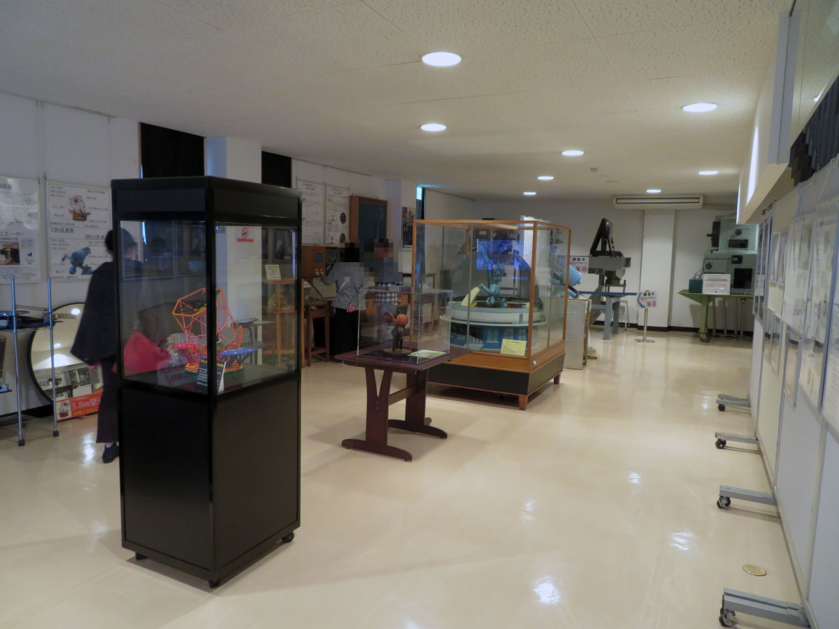 岡山天文博物館 1F 展示室