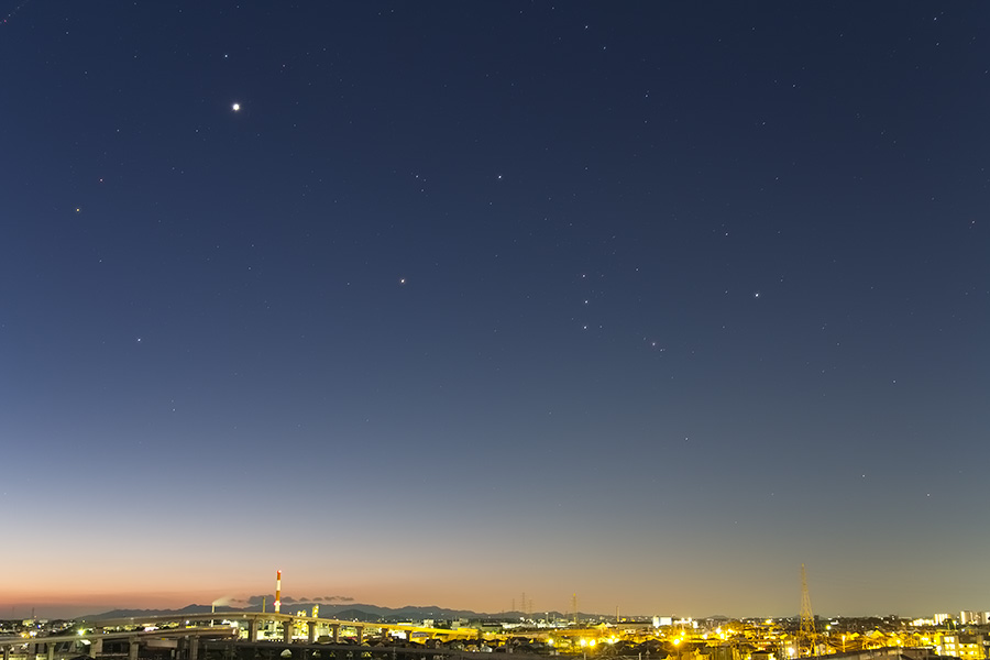 朝焼けと金星とオリオン座