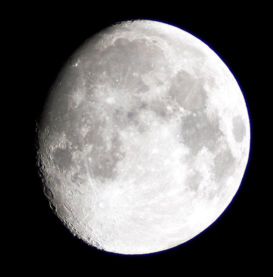 New KDS 63-540とKiss X2でで撮影した月(トリミングあり)