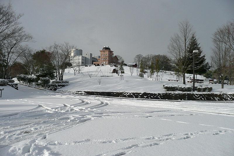 雪の西はりま天文台公園