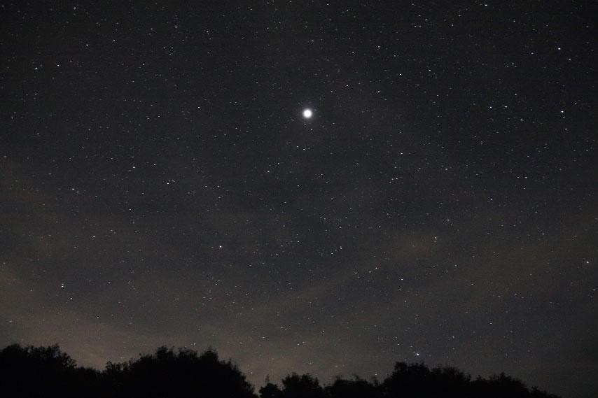 薄雲の中の木星