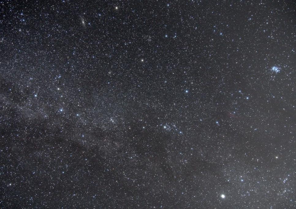 カシオペア座からペルセウス座付近の星野