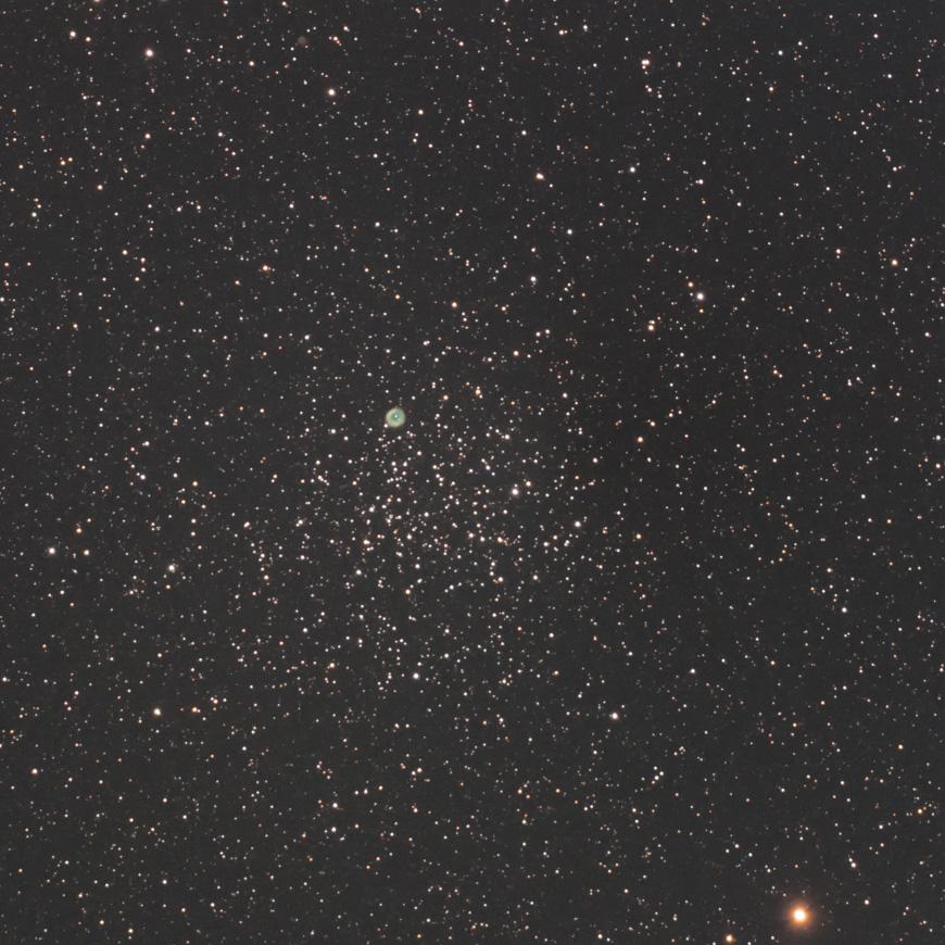 散開星団M46と惑星状星雲NGC2438