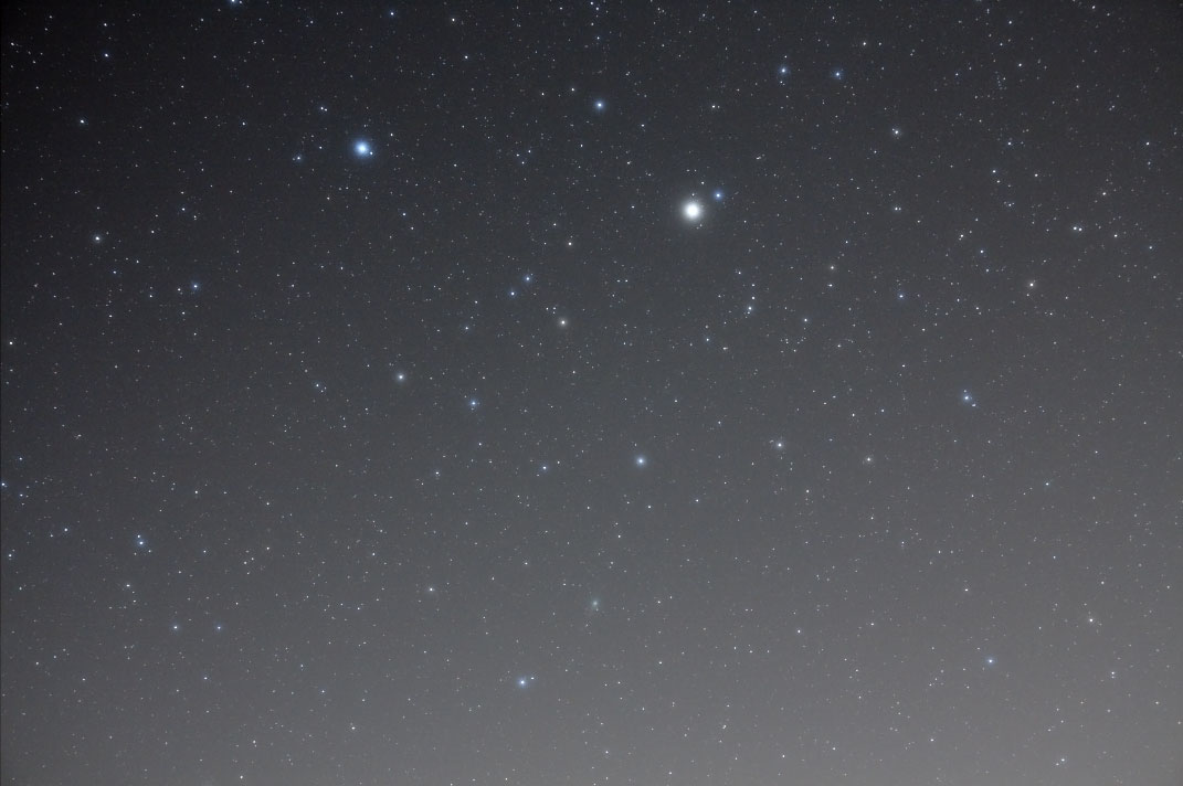 しし座尾部とルーリン彗星
