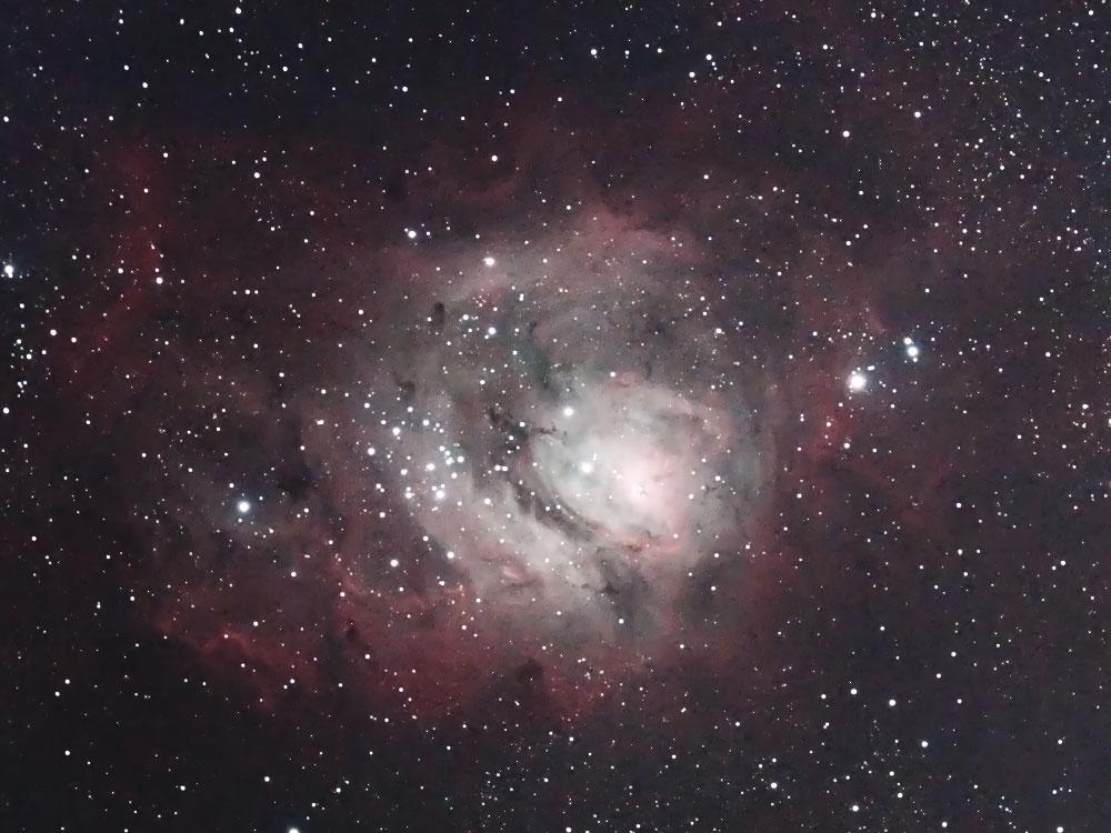 M8(干潟星雲)中心部
