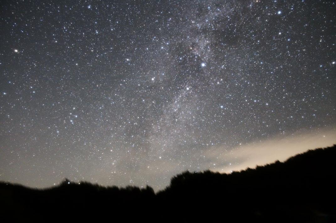 西の空に沈む夏の星座(はくちょう座)