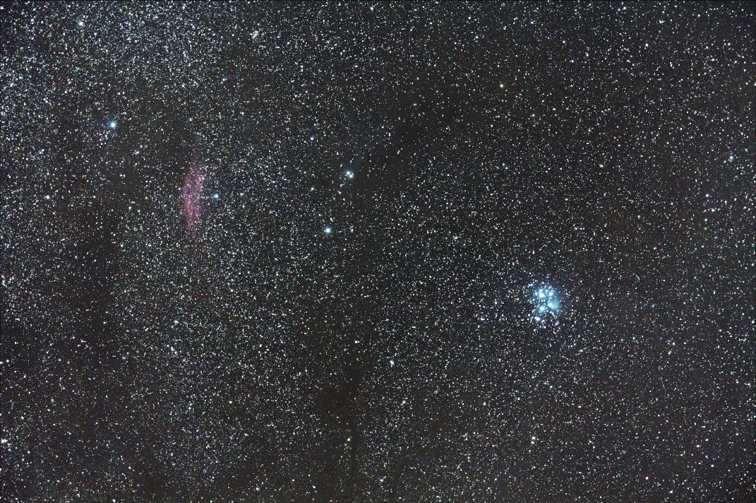 カリフォルニア星雲とプレアデス星団(すばる)