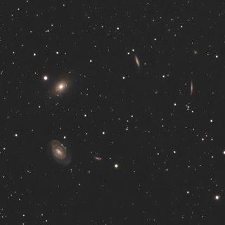 NGC5363・NGC5364と周辺の銀河
