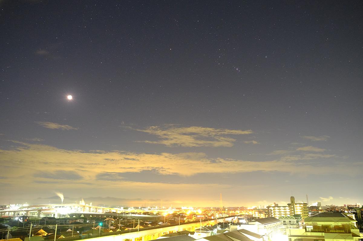 オリオン座と月