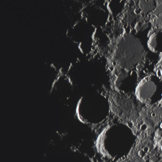 「月面X」ピクセル等倍