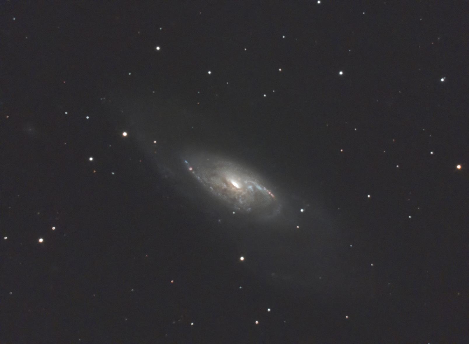 系外銀河 M106 (処理を途中で放棄)