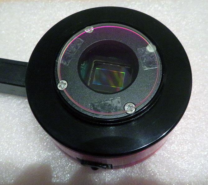 IR/UVカットフィルターをカメラ全面に両面テープで貼り付け