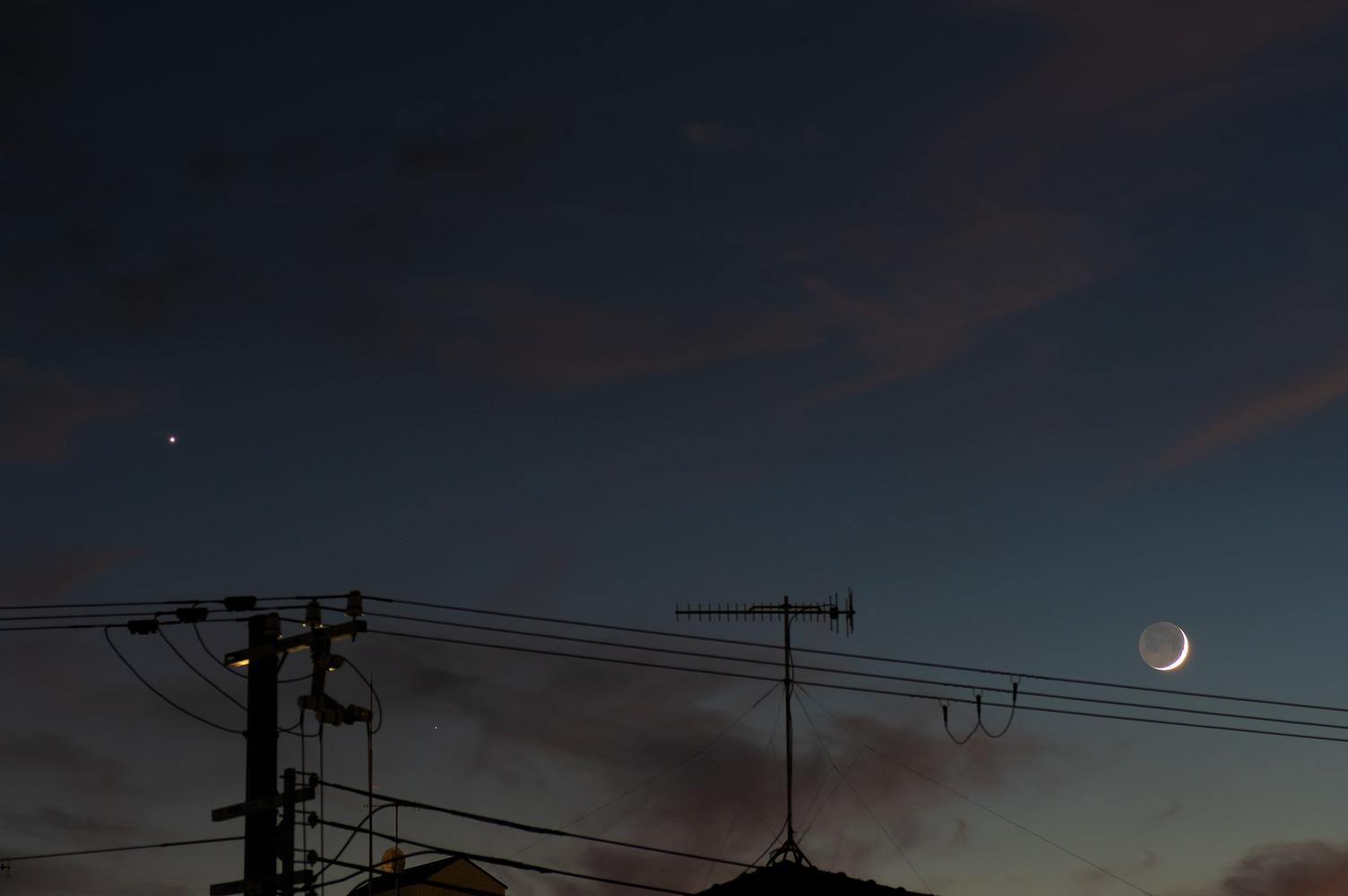 金星と月(月齢2.4)